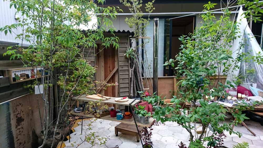 庭の制作状況